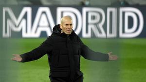 Zidane, durante el derbi.