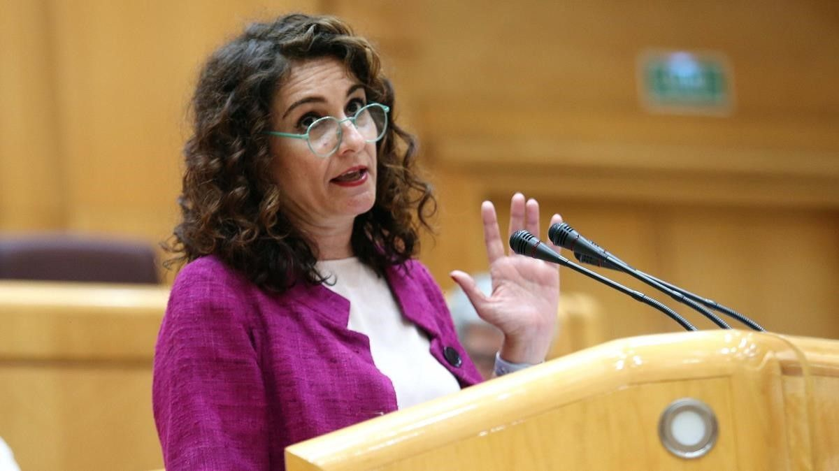 La ministra de Hacienda, María Jesús Montero, durante una comparecencia en el Senado.