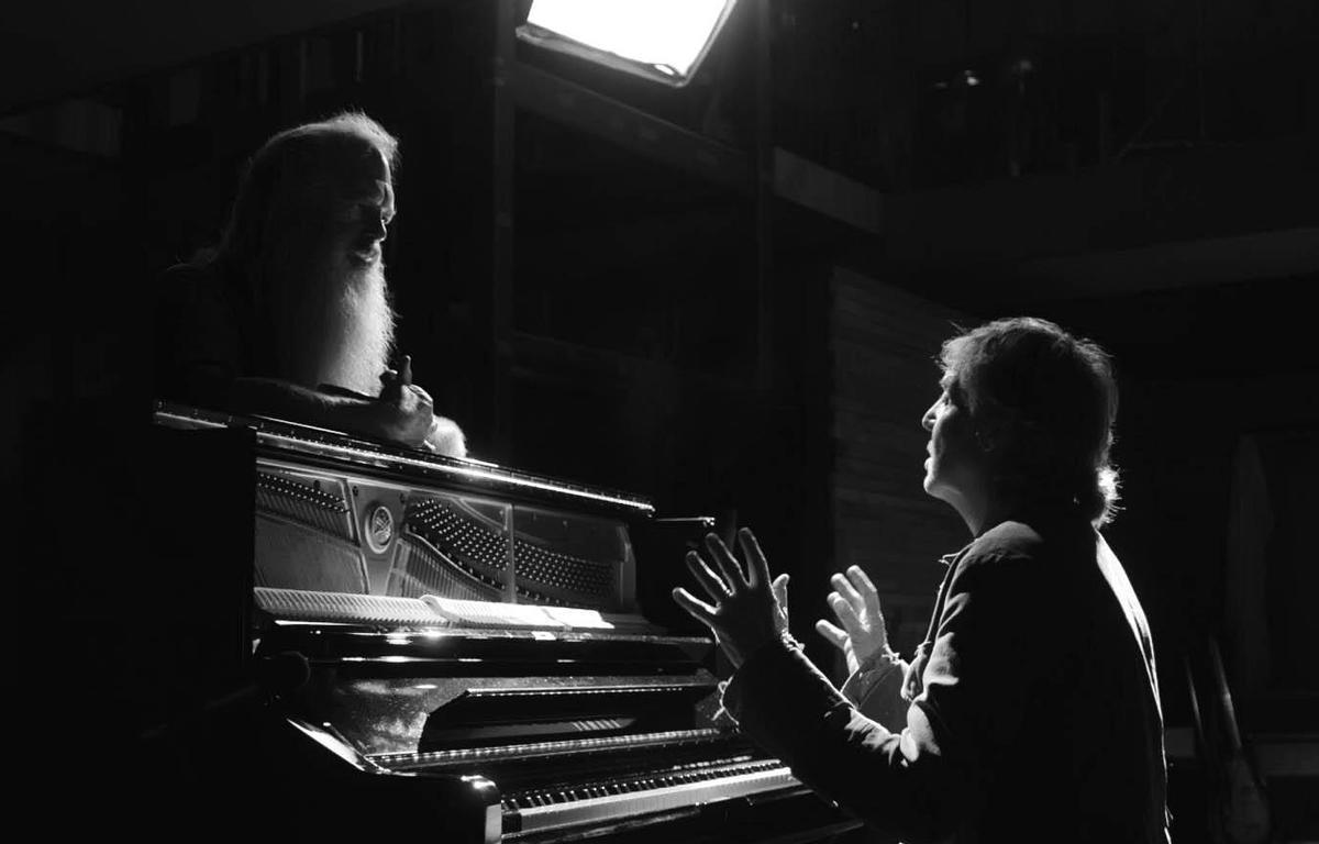 Rick Rubin y Paul McCartney en 'McCartney 3, 2, 1'.