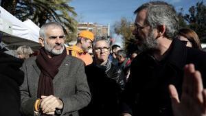 Carrizosa, increpado por independentistas cuando visitaba un mercadillo en Vilafranca del Penedès.