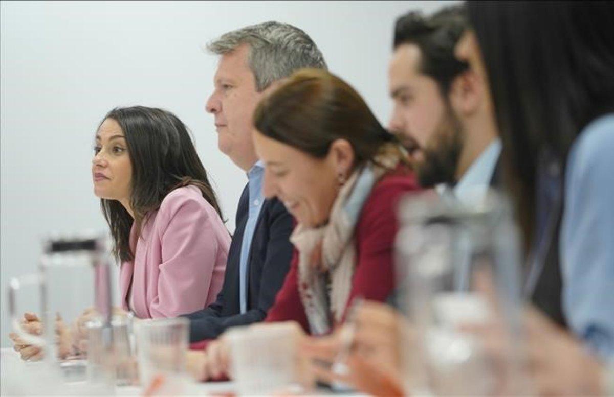 Inés Arrimadas junto a otros miembros de la dirección de Ciudadanos.