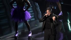 Bad Bunny recibió el premio al mejor artista latino en la gala de losBillboard Music Awards.