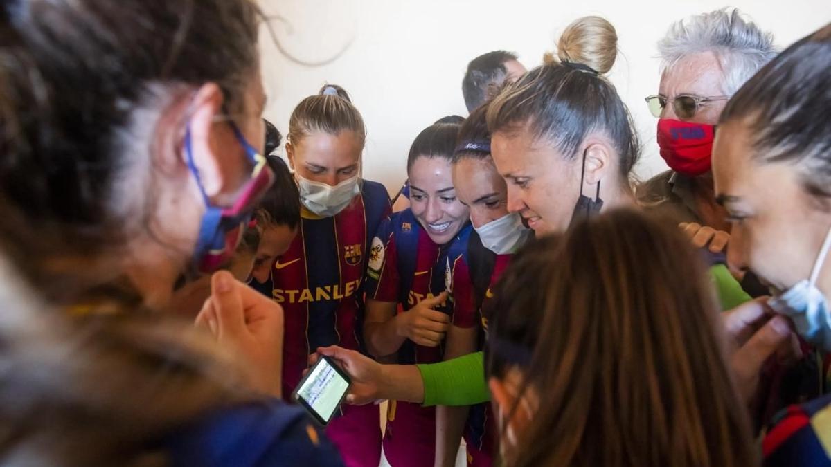 Siguiendo el Espanyol-Levante por el móvil.