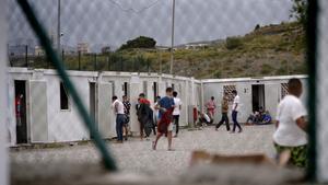 El Govern habilita 5 milions d'euros per a les comunitats que acullin menors migrants de Ceuta
