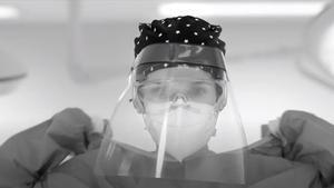 Los sanitarios que luchan contra el coronavirus protagonizan el vídeo de Vetusta Morla.