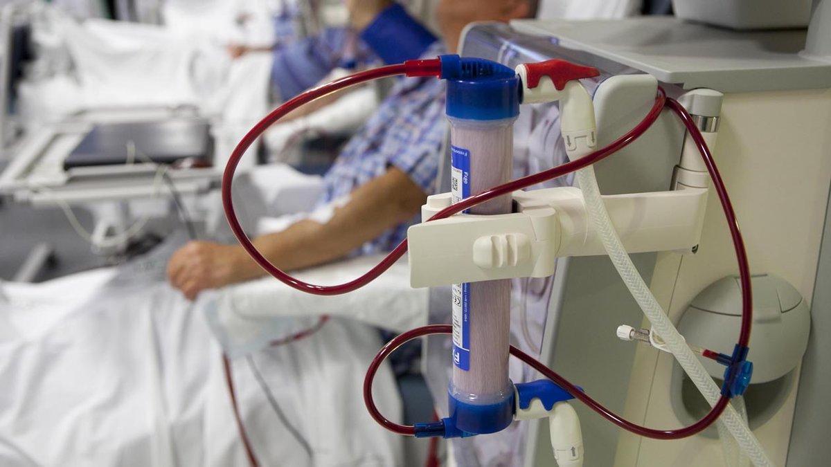 Pacientes de diálisis en un hospital.