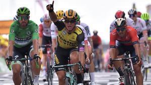 El holandés Groenewegen celebra su triunfo.