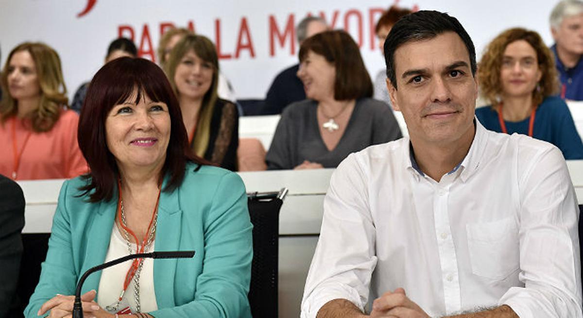 Sánchez le dice a Rajoy que si no va a la investidura mejor se vaya a casa.