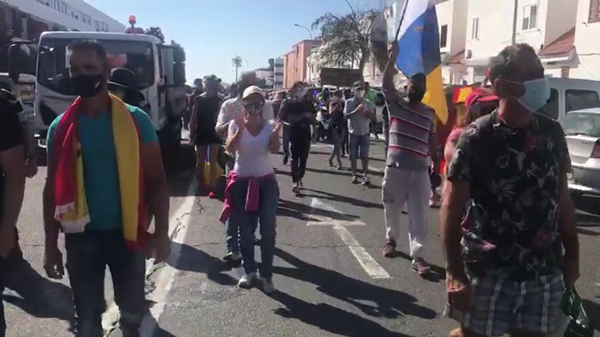 Manifestación enSan Bartolomé de Tirajana contra la llegada de personas del continente africano.