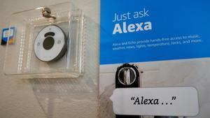 Información sobre cómo utilizar el asistente de Apple,Alexa.