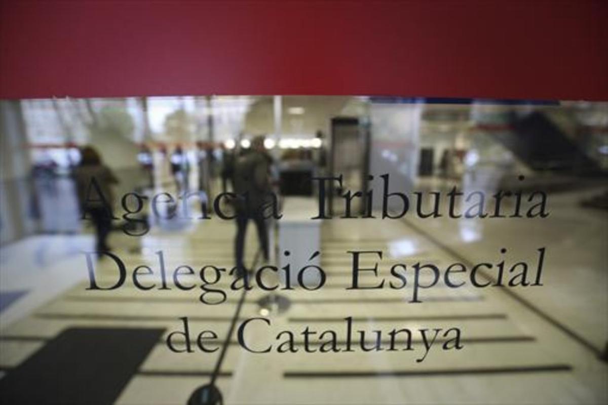 Oficinas de Hacienda en la plaza de Letamendi de Barcelona.