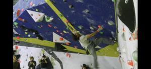 Vídeo de Chris Sharma y algunos de los escaladores nacionales e internacionales que han visitado su centro de Barcelona.