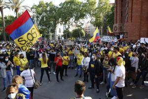 Colombianos se manifiestan en Barcelona.