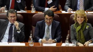 Febrero de 2009, Pleno de la Asamblea de Madrid. En la foto,Francisco Granados, Ignacio González y Esperanza Aguirre.