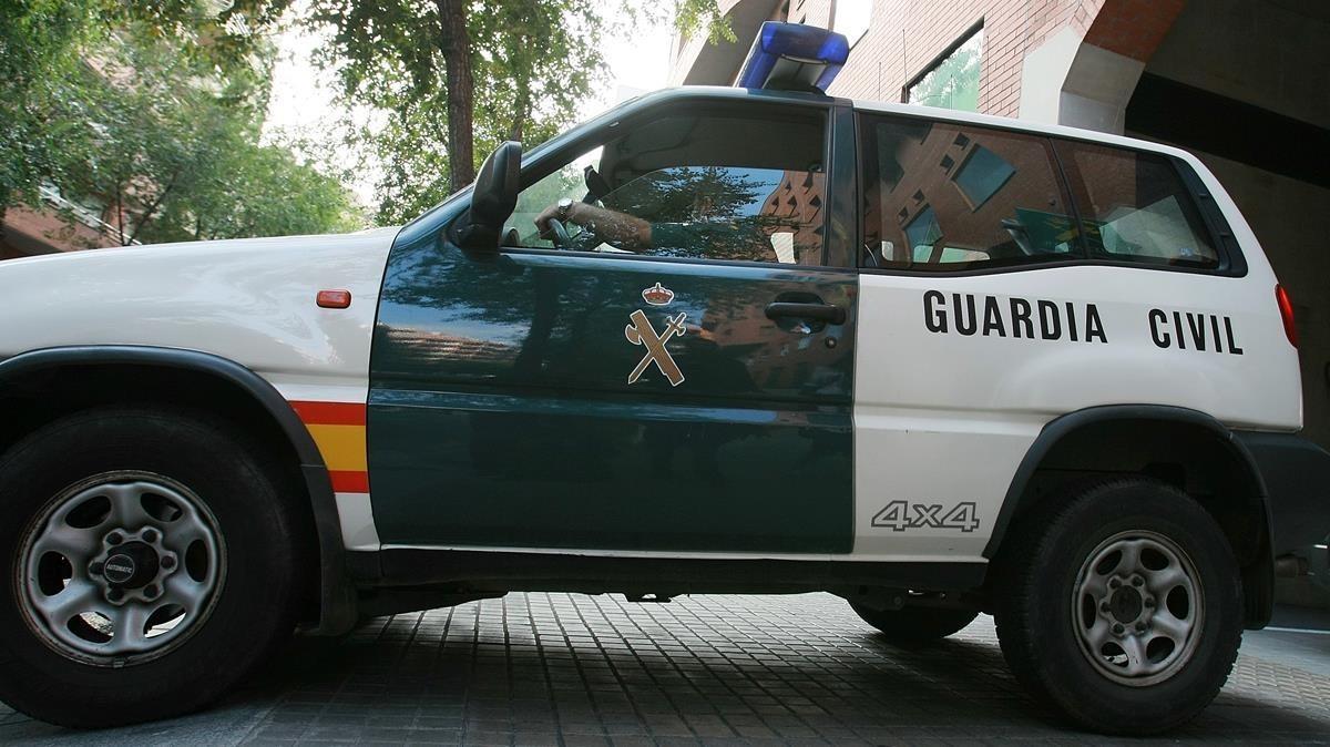 Un coche de la Guardia Civil en una foto de archivo