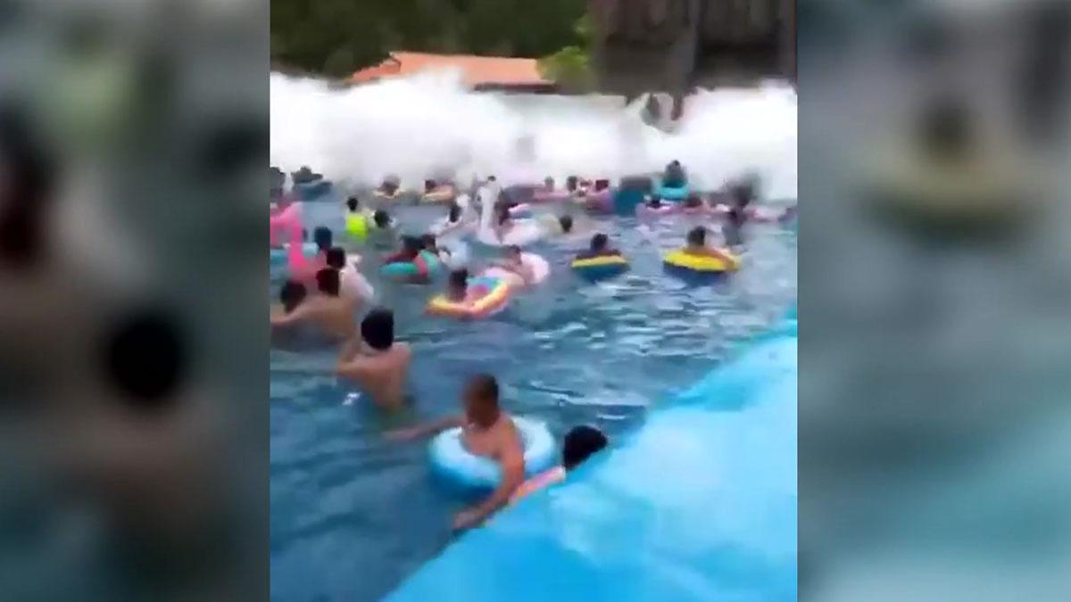 Imágenes del accidente en el parque acuático chino.