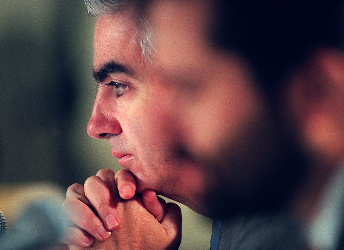 El vicepresidente de Telecomunicaciones de la cadena estatal Televisa, Adolfo Lagos, durante una conferencia.