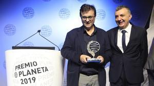 Javier Cercas guanya el premi Planeta amb una novel·la negra