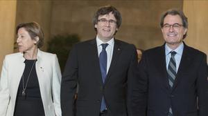 Carme Forcadell, Carles Puigdemont y Artur Mas, en la reunión del Pacte Nacional pel Referèndum del pasado 1 de febrero.