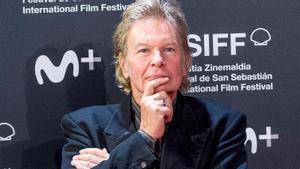 Julien Temple, fotografiado en San Sebastián en el 2020.
