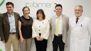 Los investigadores Benoit Gauthuier, Nadia Cobo, Teresa Molina, Andrés Aguilera y Bernat Soria, responsables del hallazgo.