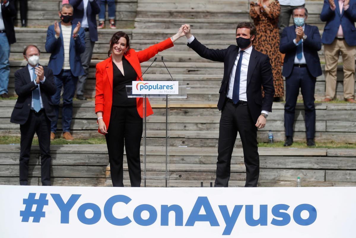 Isabel Díaz Ayuso y Pablo Casado, el pasado 31 de marzo, en la presentación de la lista electoral del PP para las elecciones autonómicas del 4 de mayo.