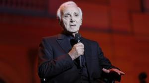 Aznavour, durante un concierto en Barcelona en el 2016.