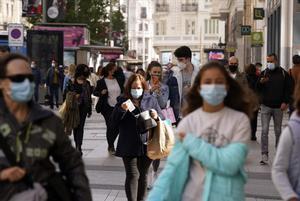 Espanya baixa el nivell d'incidència dels 500 casos per 100.000 habitants