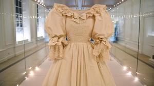 El vestido de novia de Lady Di, expuesto por primera vez en décadas.