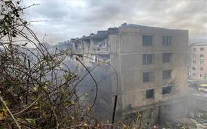 Viviendas atacadas enStepanakert, la capitalde Nagorno Karabaj.