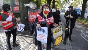 Activistas provida en Varsovia apoyan el endurecimiento de la ley del aborto.