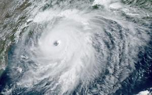 Imagen del huracán Laura cerca de los EEUU.