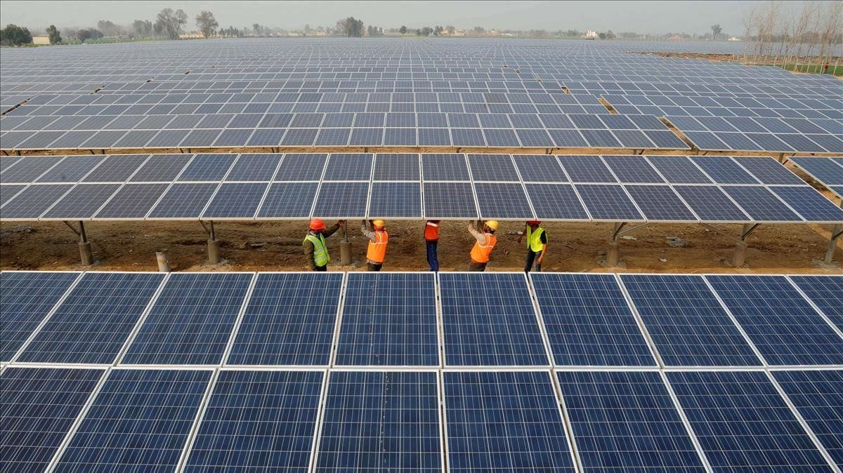 Placas solares en edificios.