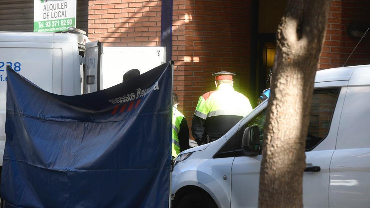 Un hombre mata a su mujer y su hija en Esplugues de Llobregat.