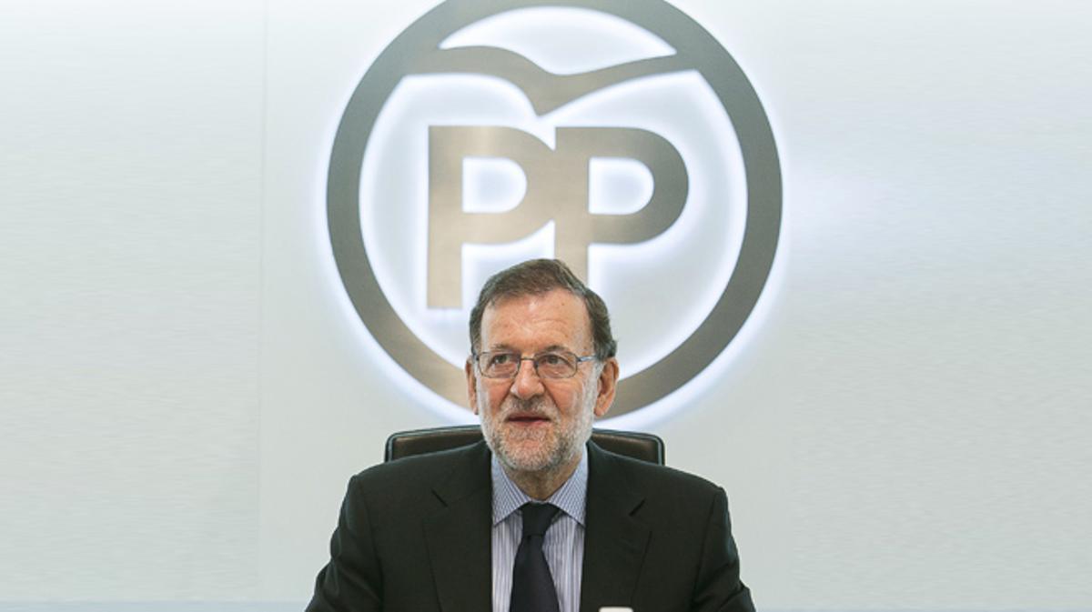 El PP pide al PSOE que deje gobernar a Rajoy.