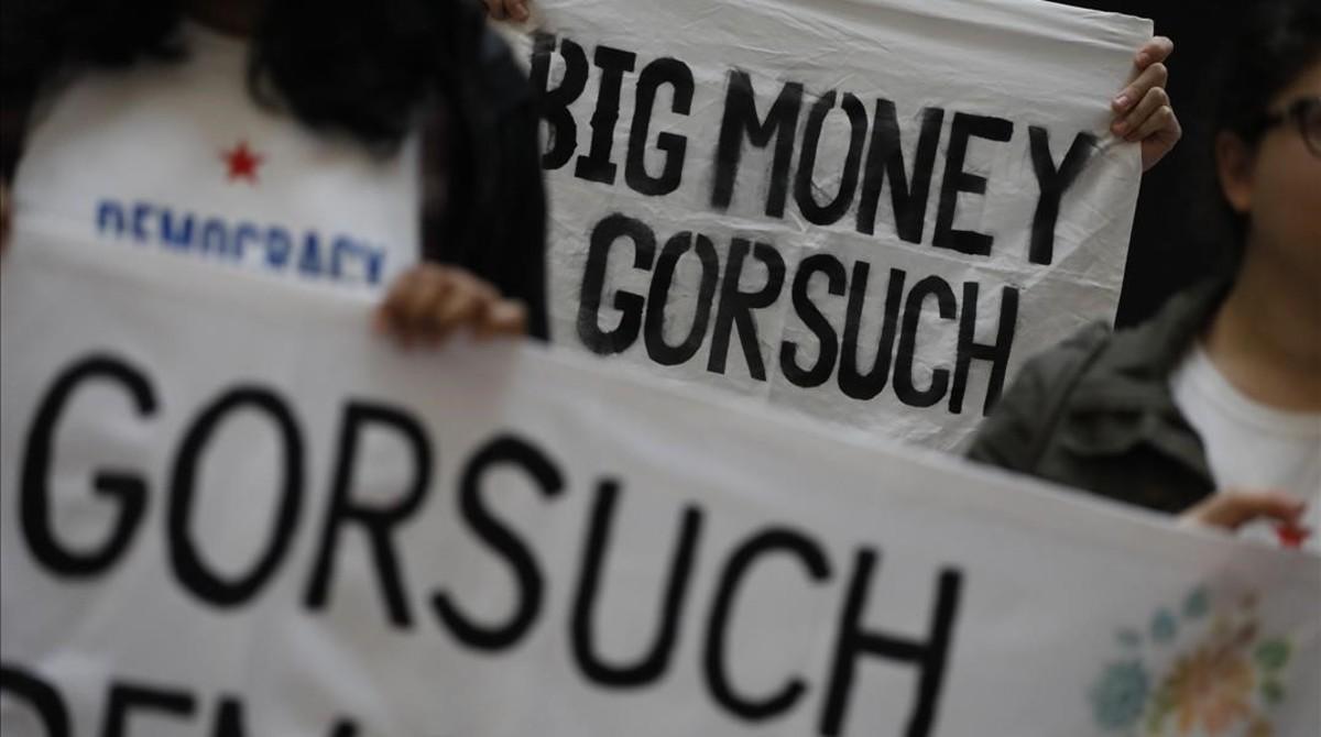 Protesta contra el nombramiento del juez Neil Gorsuch como miembro del Tribunal Supremo.