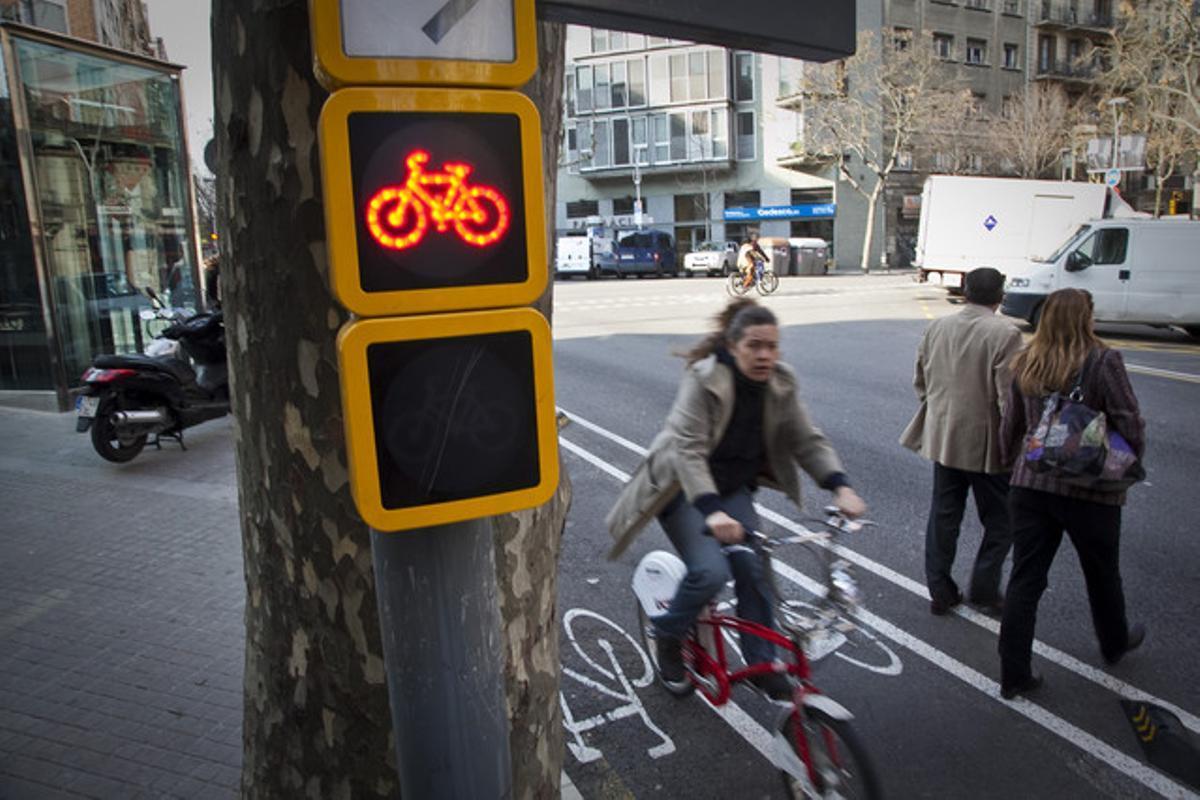 Uno de los nuevos semáforos para bicicletas.