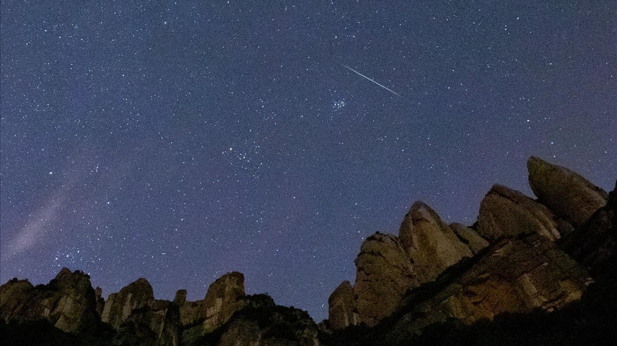 Montserrat  12 12 2020 Pluja d estrelles Geminides a Montserrat  Estrellas fugaces  Geminidas  Foto Robert Ramos