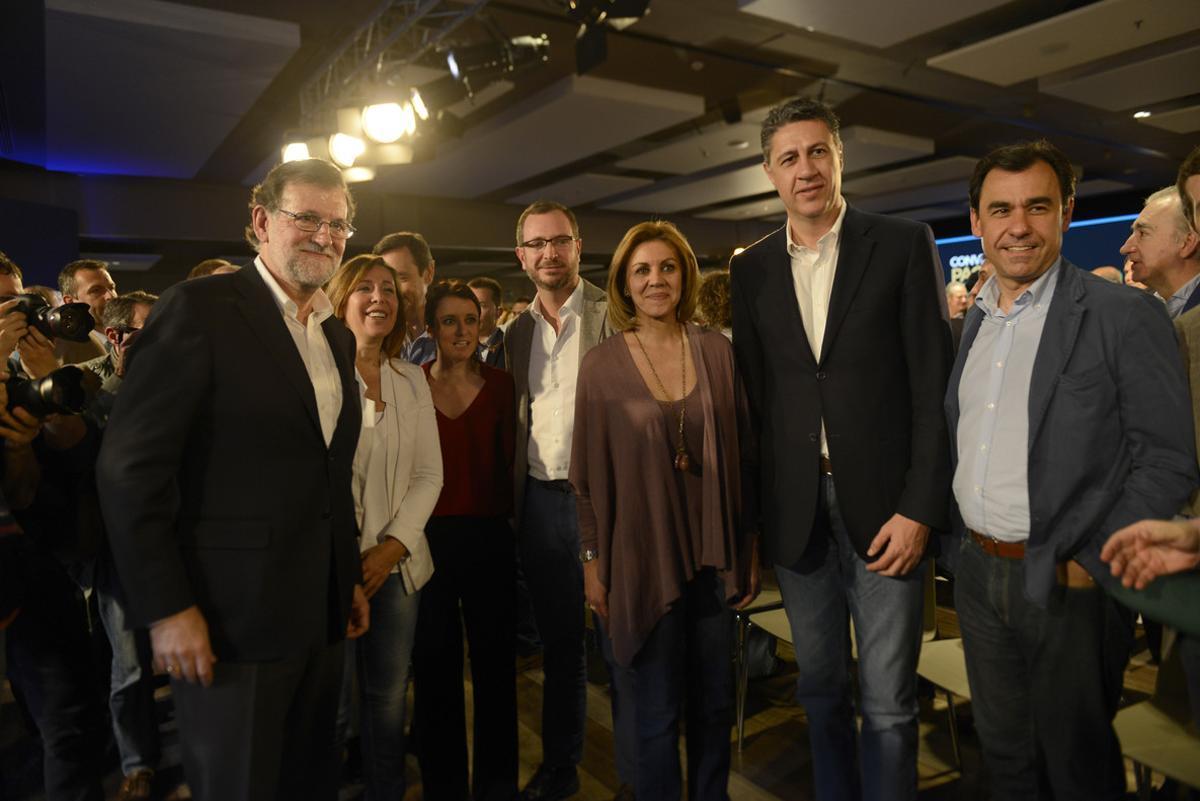 Clausura de la convención del PP celebrada en Barcelona. De izquierda a derecha, Mariano Rajoy, Alicia Sánchez Camacho, Andrea Levy, Javier Maroto, María Dolores de Cospedal, Xavier Garcia Albiol y Fernando Martínez Maíllo.