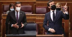 30/09/2020 Montaje fotográfico de las intervenciones del presidente del Gobierno, Pedro Sánchez, y del líder del PP, Pablo Casado, durante la sesión de control al Gobierno en el Congreso.