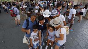 Los accesos de la Casa Batlló, uno de los lugares de Barcelona que más visitantes recibe al cabo del año.