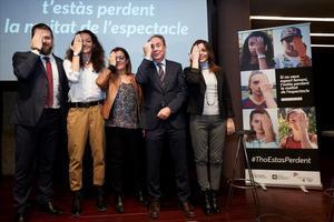 Laia Palau, jugadora del Uni Girona (segunda por la izquierda) junto a Gerard Figueras, Nuria Llorach, Roger Lloppacher y Laura Martínez en el acto de La Pedrera