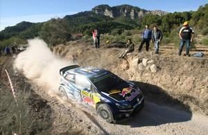 Ogier mantiene el dominio en el segundo día del Rally Catalunya