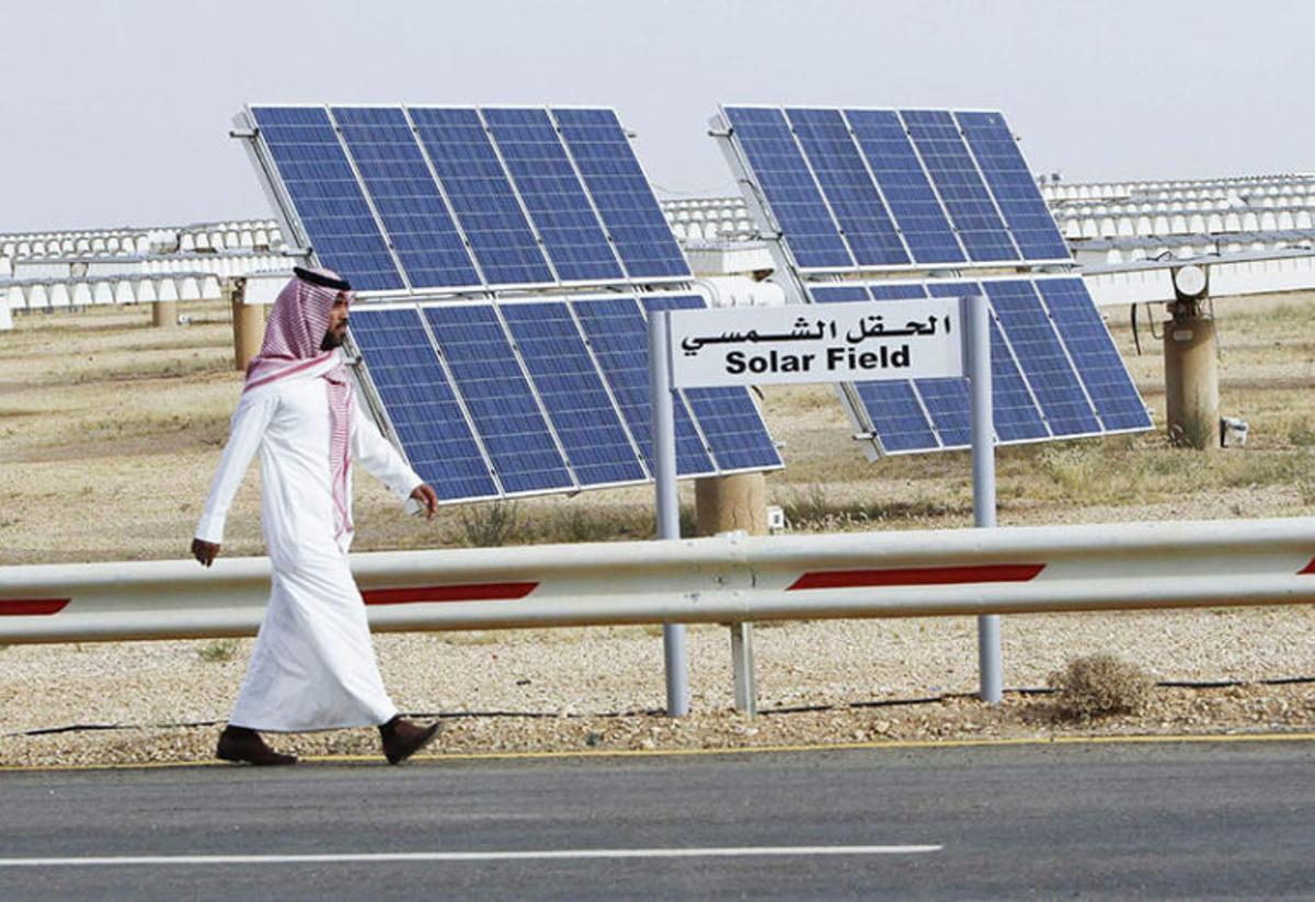Arabia Saudí, el país del petróleo, se pasa a las energías renovables