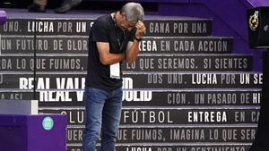 Setién se desespera durante el Valladolid-Barça en el Nuevo José Zorrilla.