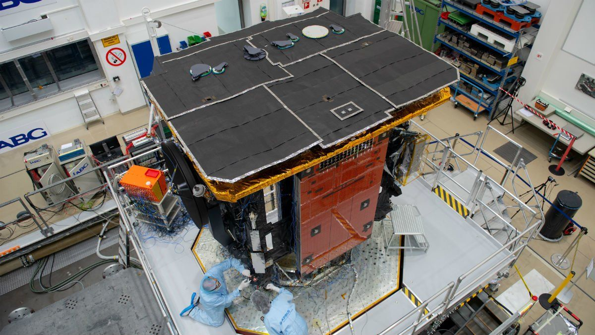 Una sonda es prepara per observar els pols del Sol