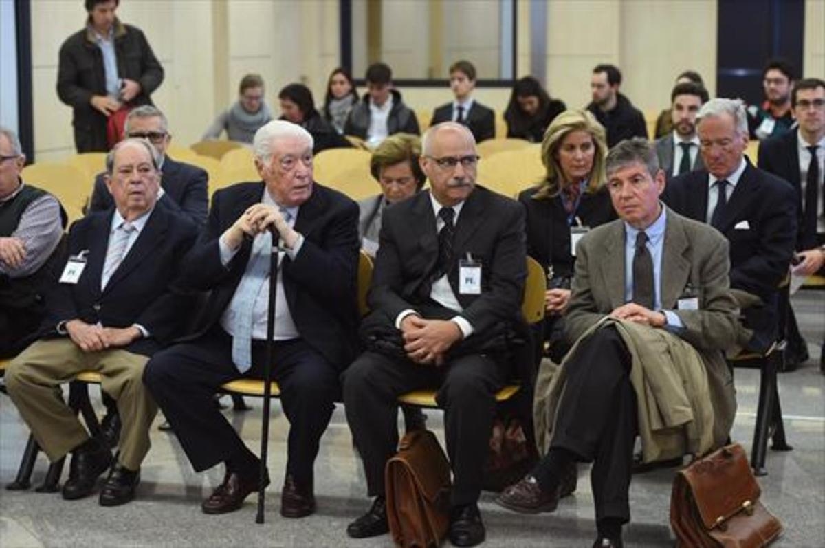 El banquillo de los principales acusados del 'caso Pretoria', de izquierda a derecha, Prenafeta, Alavedra, García y Muñoz.