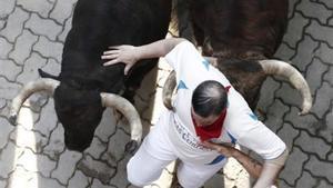 Els animalistes de Peta demanen substituir els toros dels Sanfermines per gent disfressada de dinosaures
