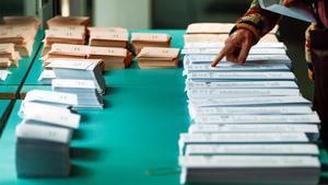 Papeletas para votar en las elecciones generales del 28-A.