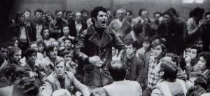 Juan Ignacio Valdivieso, en el centro de la imagen, en una asamblea celebrada durante la huelga general de Sabadell